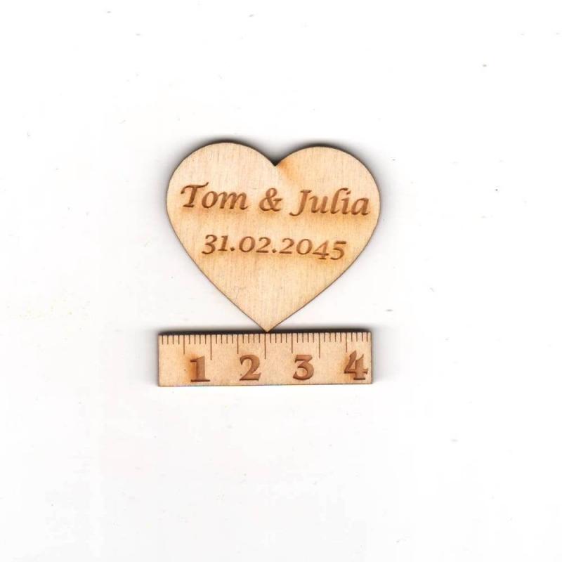 Kleinesbild - 30. Herzen  ♥ mit Namen des Brautpaares  ♥ 3 cm Naturholz graviert , Personalisiert, Tischdeko