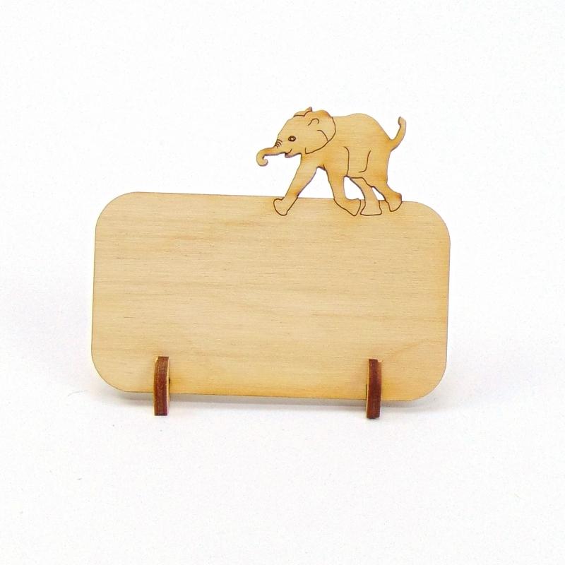 Kleinesbild - Tischkarte aus Holz mit Elefant Tier Afrika Geburtstag Hochzeit Taufe Kindergeburtstag - kann personalisiert werden
