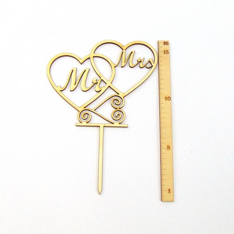 Kleinesbild - Mr & Mrs ♥ Tortenstecker im Herzen Torten Topper Filigran 16 cm aus Natur Holz