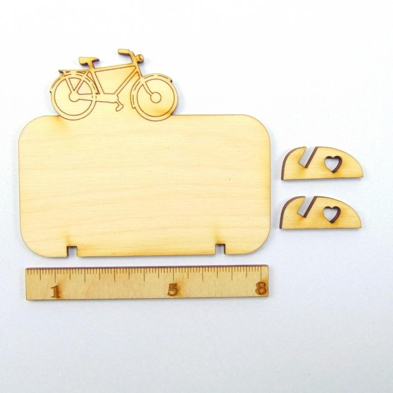 Kleinesbild - Tischkarte für Fahrradfans Herrenrad Platzkarte Namensschild für Festtafel aus Holz