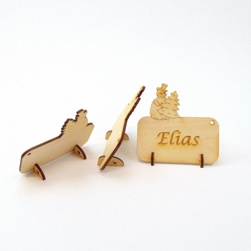 Kleinesbild - Tischkarte Schneemann mit Tanne für Weihnachtstafel Namensschild Weihnachtlich aus Holz