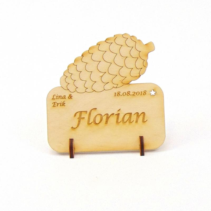 Kleinesbild - Tannenzapfen Tischkarte für Weihnachtstafel Namensschild Weihnachtlich aus Holz