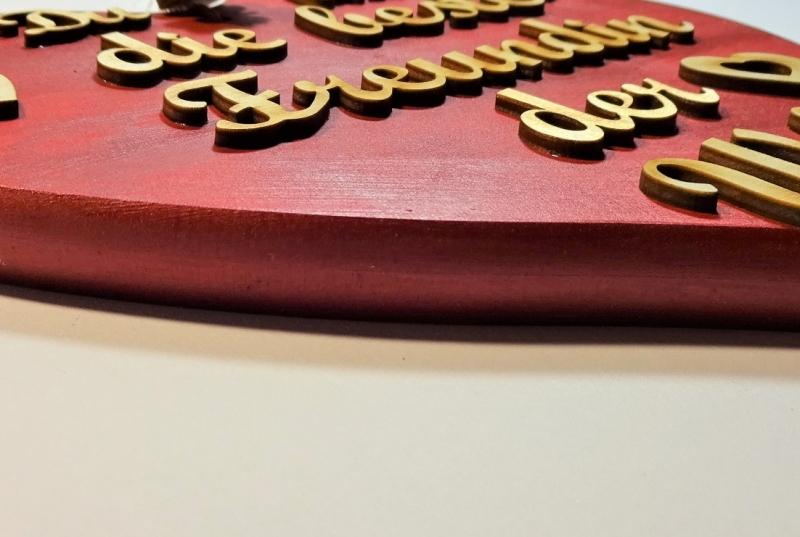 Kleinesbild - Spruch aus Holz ★ Du bist die beste Freundin der Welt ★ in Rotmetallic -Türschild, Wanddeko, Haustürschild schenken