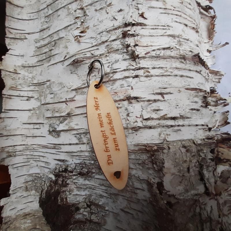 - Schlüsselanhänger  ♥Du bringst mein Herz zum lächeln ♥ aus Holz zum Verschenken   - Schlüsselanhänger  ♥Du bringst mein Herz zum lächeln ♥ aus Holz zum Verschenken