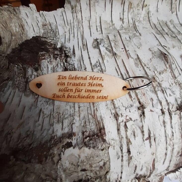 - Schlüsselanhänger  ♥Ein liebend Herz, ein trautes Heim, sollen für immer Euch beschieden sein!♥ aus Holz  zum Verschenken   - Schlüsselanhänger  ♥Ein liebend Herz, ein trautes Heim, sollen für immer Euch beschieden sein!♥ aus Holz  zum Verschenken