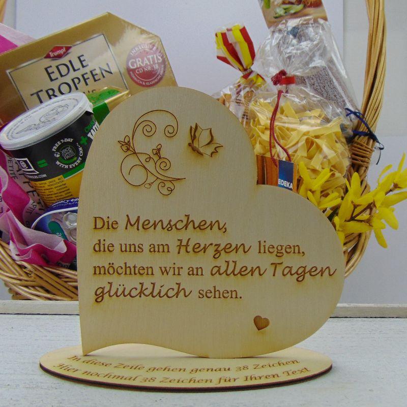 """Kleinesbild - Personalisiertes Freundschafts-Herz aus Holz mit der Aufschrift: """"Es gibt Menschen die machen unsere kleine Welt...."""