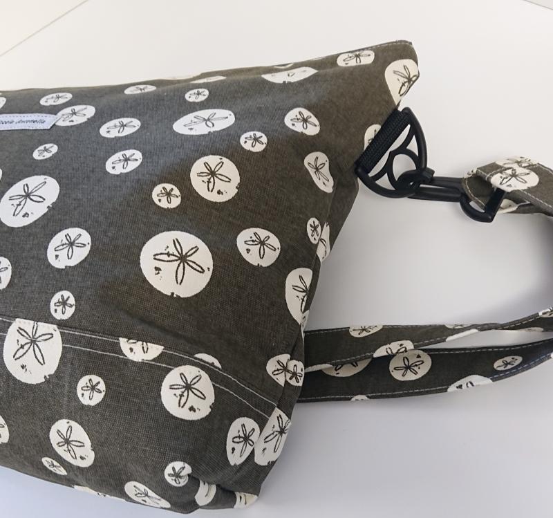 Kleinesbild - Umhängetasche braun/khaki  mit Kreisen  aus Baumwolle, Handmade by la piccola Antonella