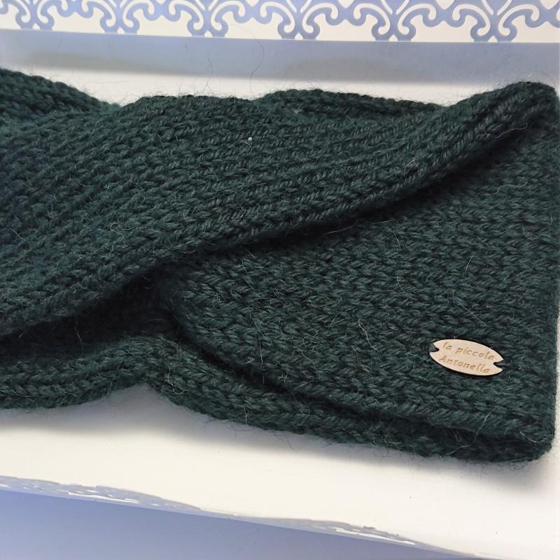 Kleinesbild - Gestricktes Stirnband in dunkel grün aus  100% Alpaka , einfacher flacher Twist im Stirnbereich , handgestrickt von la piccola Antonella