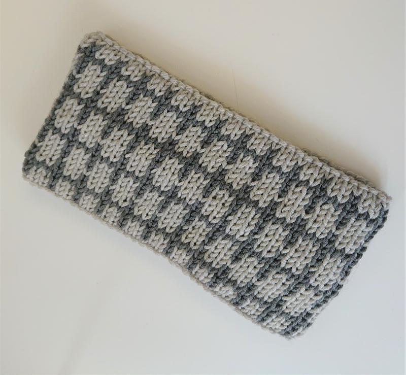 Kleinesbild - Gestricktes Stirnband ,  handgestrickt aus  100% Wolle (Merino), doppellagig , Fairisle , hellgrau / dunkelgrau ,  handgestrickt von la piccola Antonella