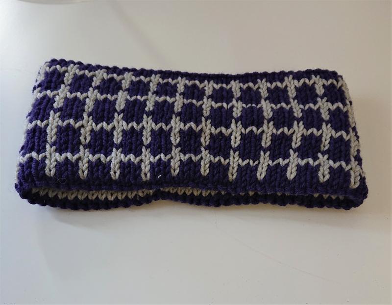 Kleinesbild - Gestricktes Stirnband ,  handgestrickt aus  100% Wolle (Merino), doppellagig , Fairisle , lila / hellgrau ,  handgestrickt von la piccola Antonella