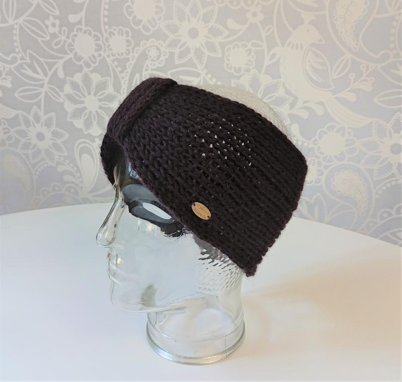 Kleinesbild - Gestricktes Stirnband ,  handgestrickt aus  100% Alpaka , geraffter Twist , in Brombeere ,  handgestrickt von la piccola Antonella