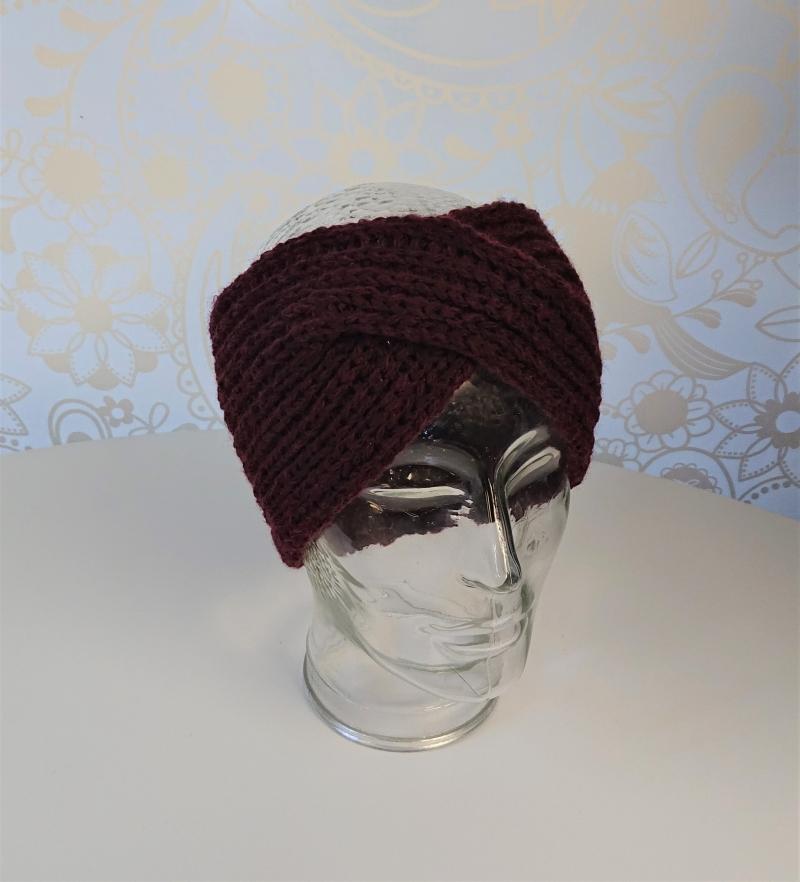 Kleinesbild - Gestricktes Stirnband ,  handgestrickt aus  100% Wolle (Merino) , flacher Twist in burgund / weinrot / bordaux ,  handgestrickt von la piccola Antonella