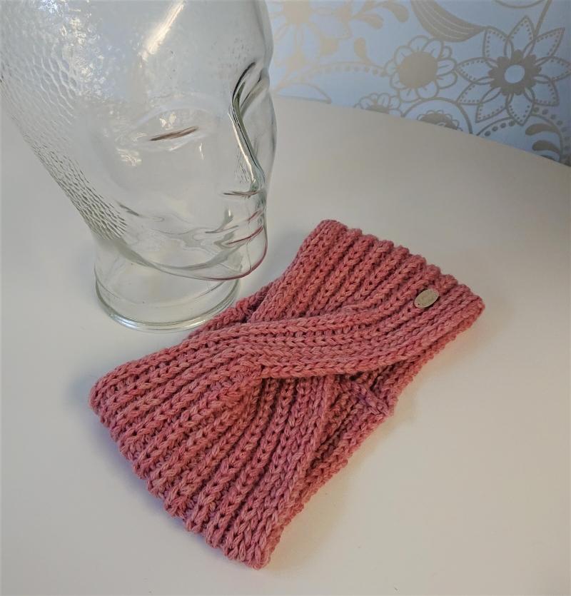 Kleinesbild - Gestricktes Stirnband ,  handgestrickt aus  100% Wolle (Merino ) , flacher Twist in rosa / altrose ,  handgestrickt von la piccola Antonella
