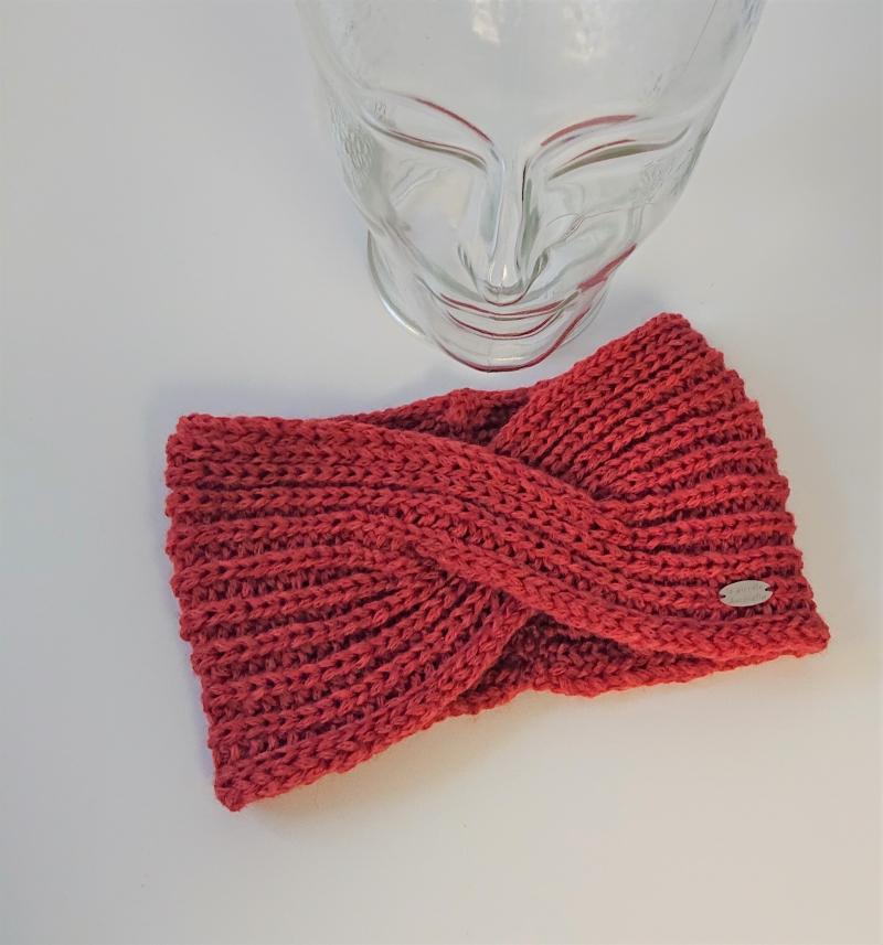 Kleinesbild - Gestricktes Stirnband ,  handgestrickt aus  100% Wolle (Merino) , flacher Twist in lachs ,  handgestrickt von la piccola Antonella