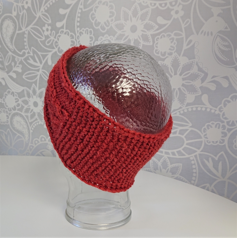 Kleinesbild - Gestricktes Stirnband mit Zopfmuster und gerafften Twist in lachs ,  handgestrickt aus 100% Wolle ( Merino) ,  handmade by  la piccola Antonella