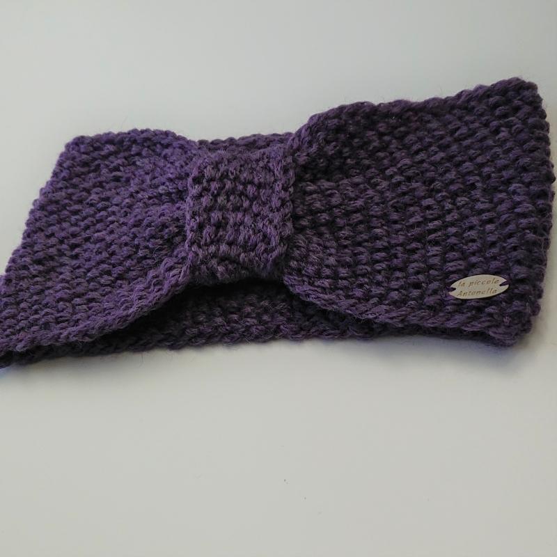 Kleinesbild - Gestricktes Stirnband  in lila aus 100% Wolle ( Merino), geraffter Twist , handgestrickt von la piccola Antonella