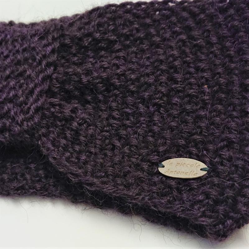 Kleinesbild - Stirnband gestrickt aus 100% Alpaka mit gerafften Twist in brombeere, Ohrenwärmer, handgestrickt von la piccola Antonella