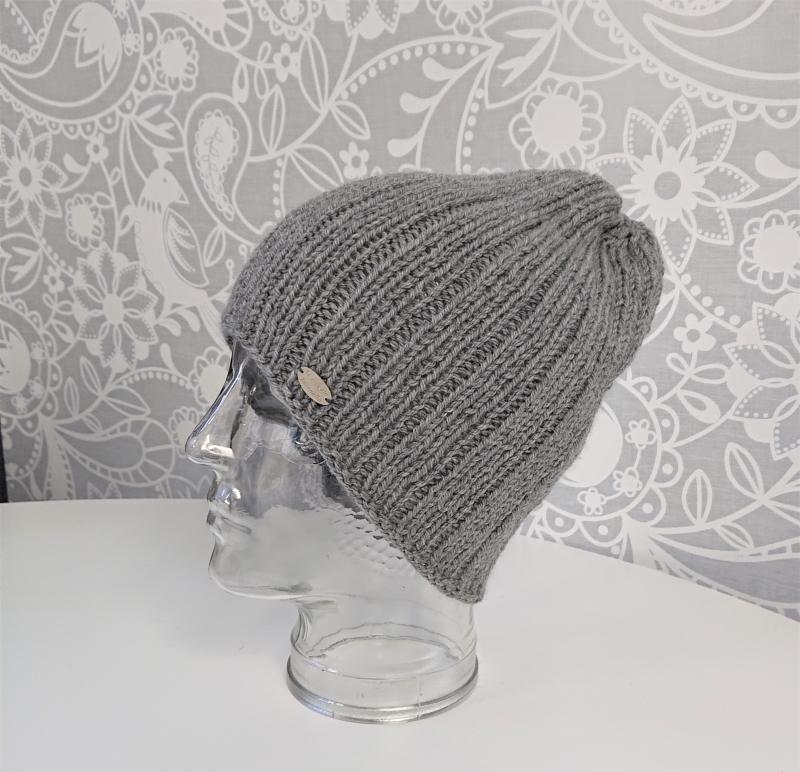 Kleinesbild - Gestrickte Mütze  Beanie  aus 100% Wolle  (Baby Merino Wolle) in hell grau , Unisex,  handgestrickt / handmade by la piccola Antonella