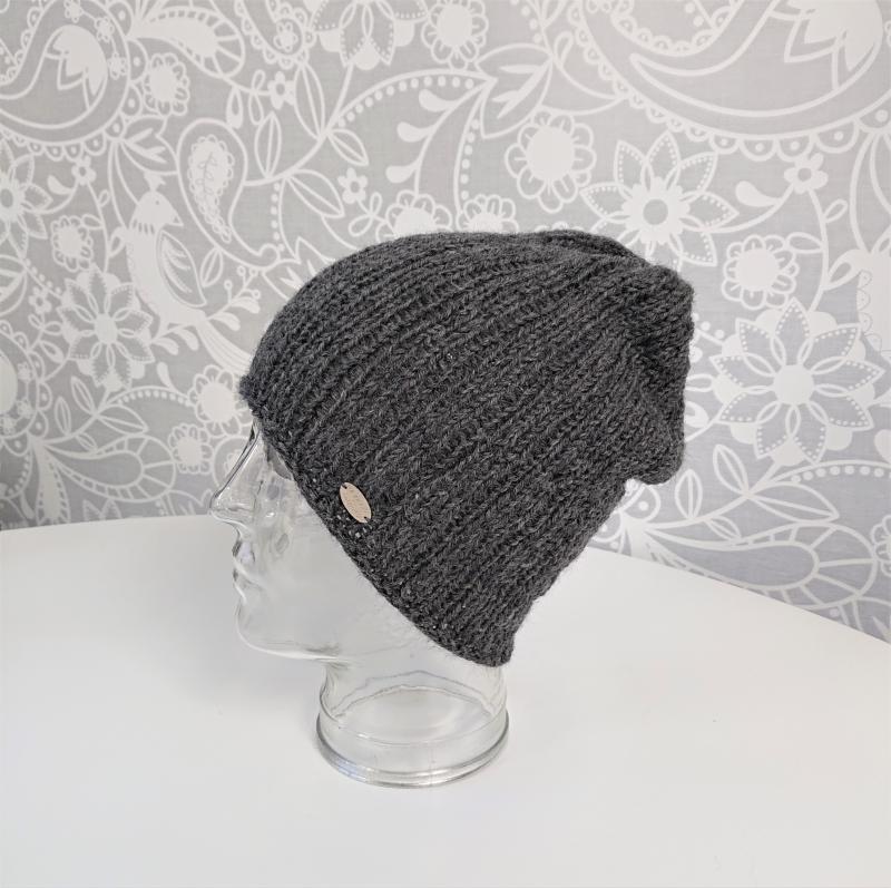 Kleinesbild - Gestrickte Mütze  Beanie in dunkel grau aus 100% Alpaka Wolle , Unisex,  handgestrickt / handmade by la piccola Antonella