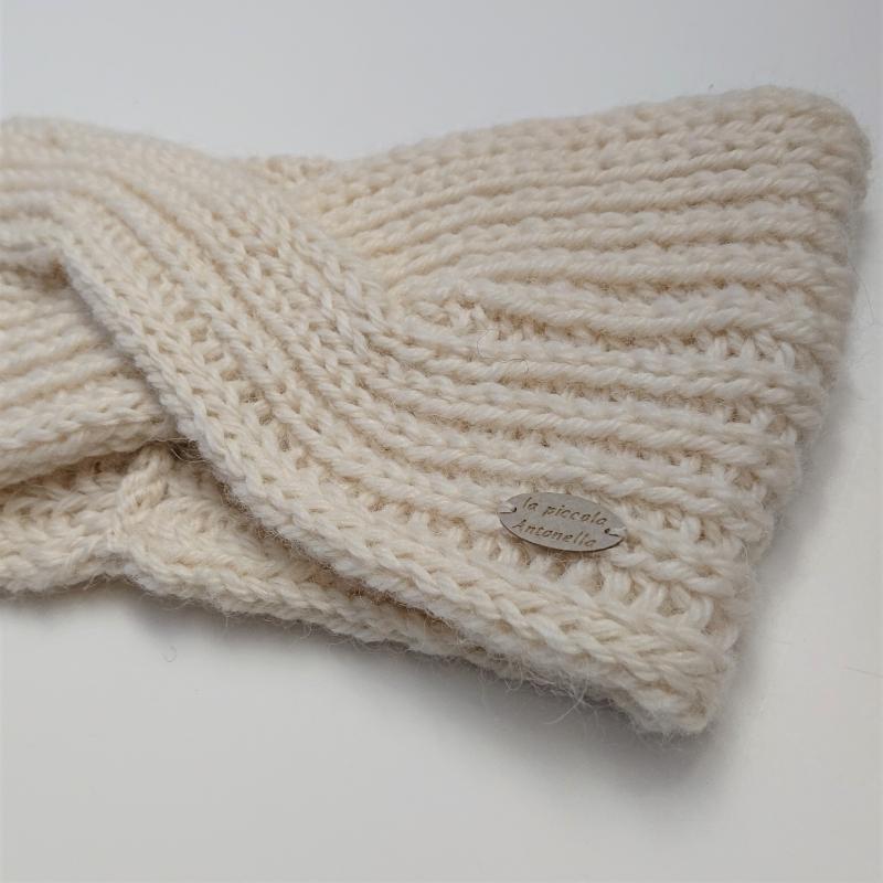Kleinesbild - Gestricktes Stirnband in woll weiß, handgestrickt aus 100% Alpaka , einfacher flacher Twist im Stirnbereich, handmade by la piccola Antonella