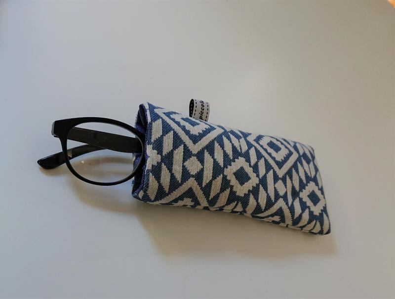 Kleinesbild - Brillenetui genäht in blau Ethno Design , Handmade by la piccola Antonella
