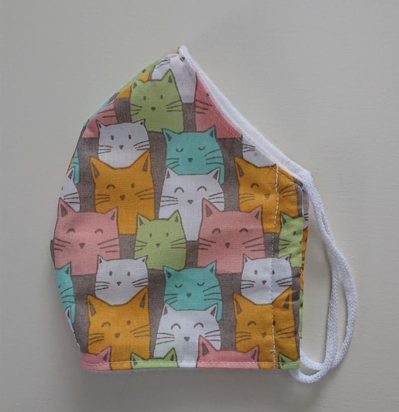 Kleinesbild - Mund - und Nasen - Maske  mit bunten Katzen aus Baumwolle , Molton, waschbar, 1 Stück , KEIN Virenschutz , handmade by la piccola Antonella