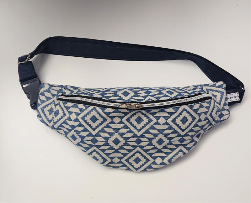 - Bauchtasche in blau weiß mit Ethno Muster, tragbar auch als Crossbag, Umhängetasche, handmade by la piccola Antonella - Bauchtasche in blau weiß mit Ethno Muster, tragbar auch als Crossbag, Umhängetasche, handmade by la piccola Antonella