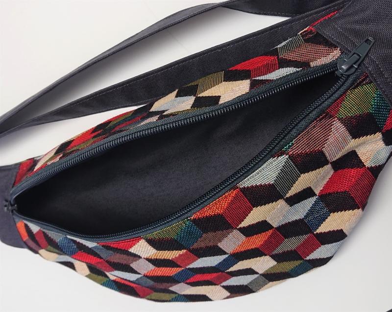 Kleinesbild - Bauchtasche Hüfttasche mit bunten Cubes , tragbar auch als Crossbag, Umhängetasche, handmade by la piccola Antonella
