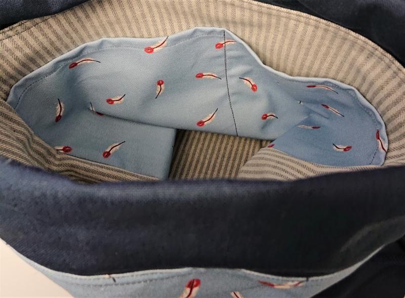 Kleinesbild - Turnbeutel, Festivaltasche, Rucksack mit Federn in hellblau marine , Handmade by la piccola Antonella
