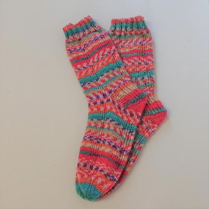 Kleinesbild - Gestrickte Socken für Kinder, Gr. 34/35 in rosa türkis lila, Wollsocken, Kuschelsocken, handgestrickt, la piccola Antonella