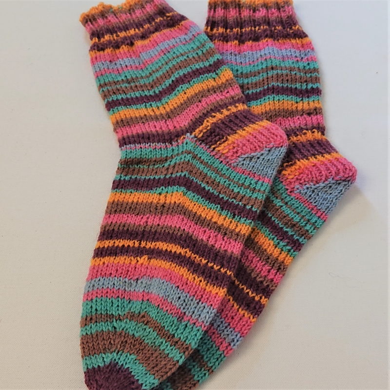 Kleinesbild - Gestrickte Socken für Kinder, Gr. 34/35 in bunt, Wollsocken, Kuschelsocken, handgestrickt, la piccola Antonella