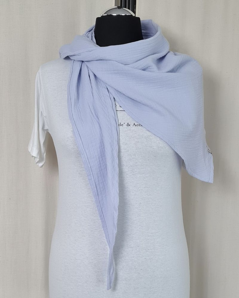 Kleinesbild - Dreieckstuch aus Musselinstoff, Musselintuch in hellblau, leichter Schal, handmade von la piccola Antonella
