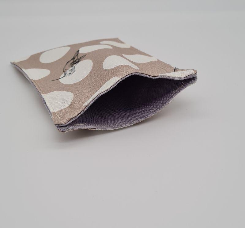 Kleinesbild - Impfpasshülle Kolibri beige, Etui für den Impfausweis aus Baumwollstoffen, handmade by la piccola Antonella