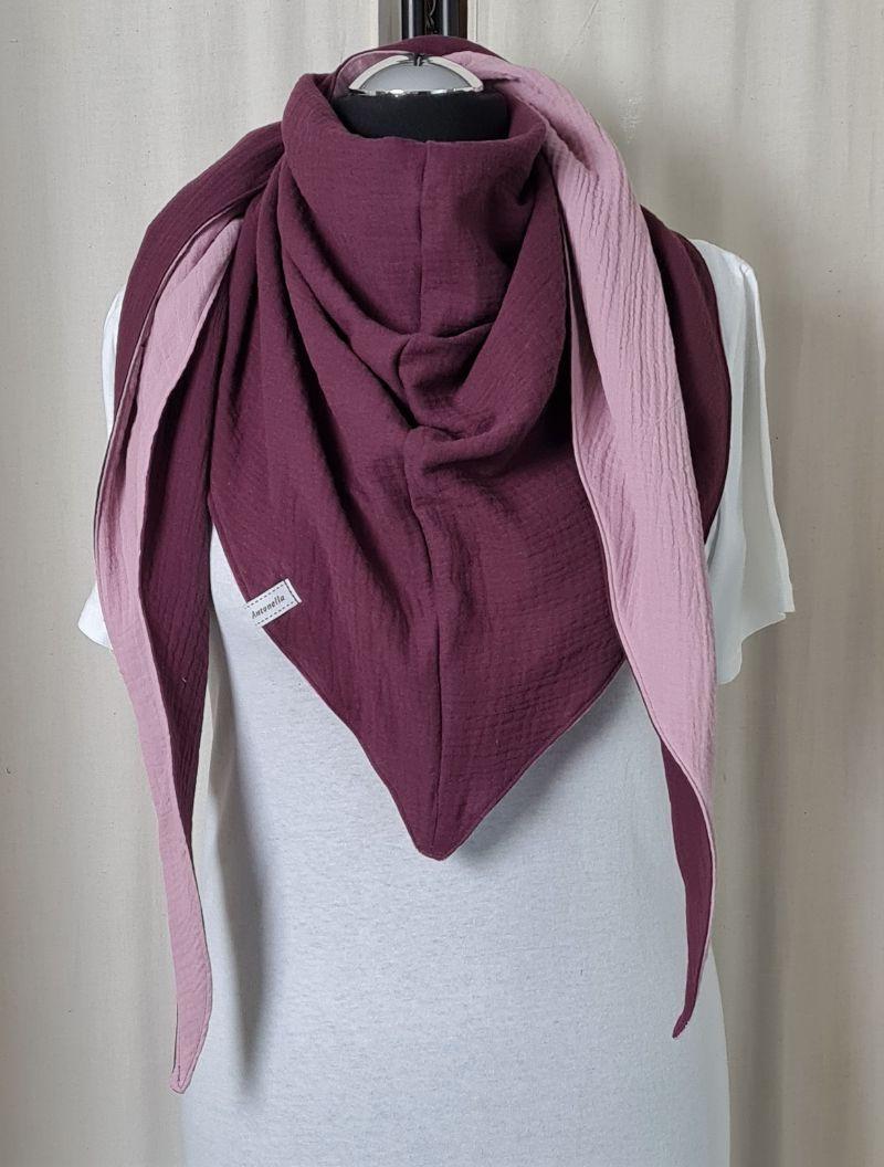 Kleinesbild - Dreieckstuch aus Musselinstoff in rosa und burgundy, Musselintuch, leichter Schal, handmade von la piccola Antonella