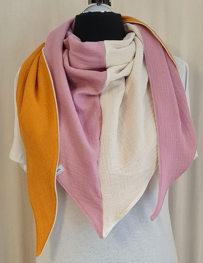 Kleinesbild - Dreieckstuch aus Musselinstoff in gelb rosa naturweiß, Musselintuch, leichter Schal, handmade von la piccola Antonella