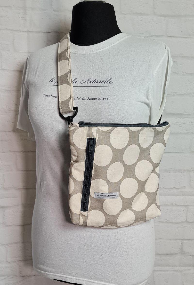 - Bauchtasche Dots in grau beige, tragbar auch als Crossbag, Umhängetasche, handmade by la piccola Antonella - Bauchtasche Dots in grau beige, tragbar auch als Crossbag, Umhängetasche, handmade by la piccola Antonella