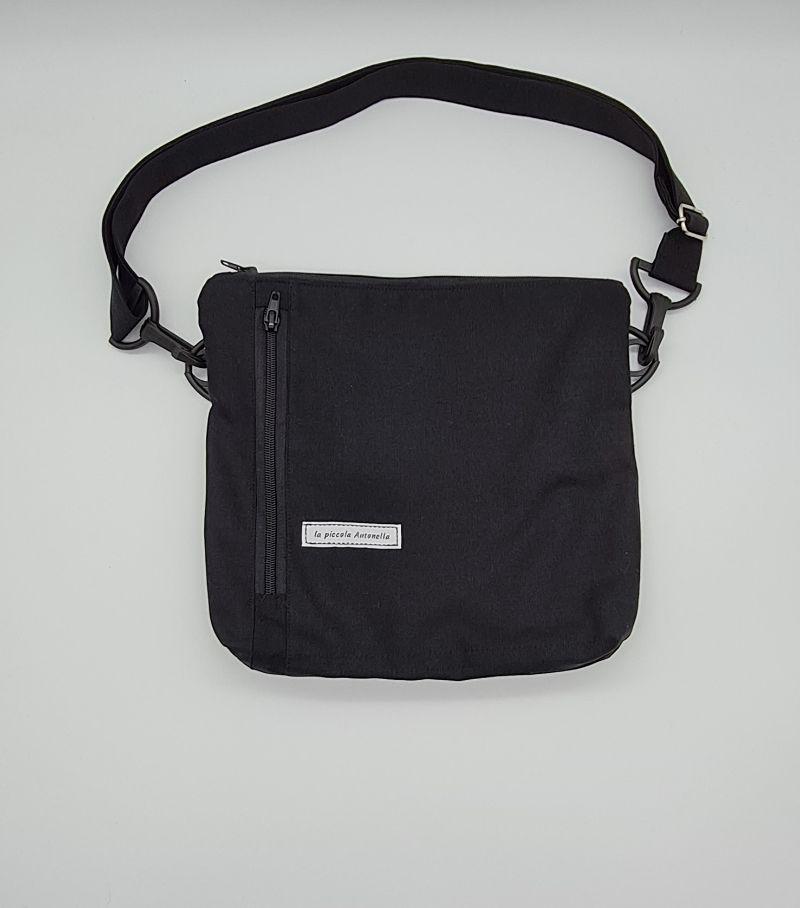 - Bauchtasche in schwarz, tragbar auch als Crossbag, Umhängetasche, handmade by la piccola Antonella  - Bauchtasche in schwarz, tragbar auch als Crossbag, Umhängetasche, handmade by la piccola Antonella
