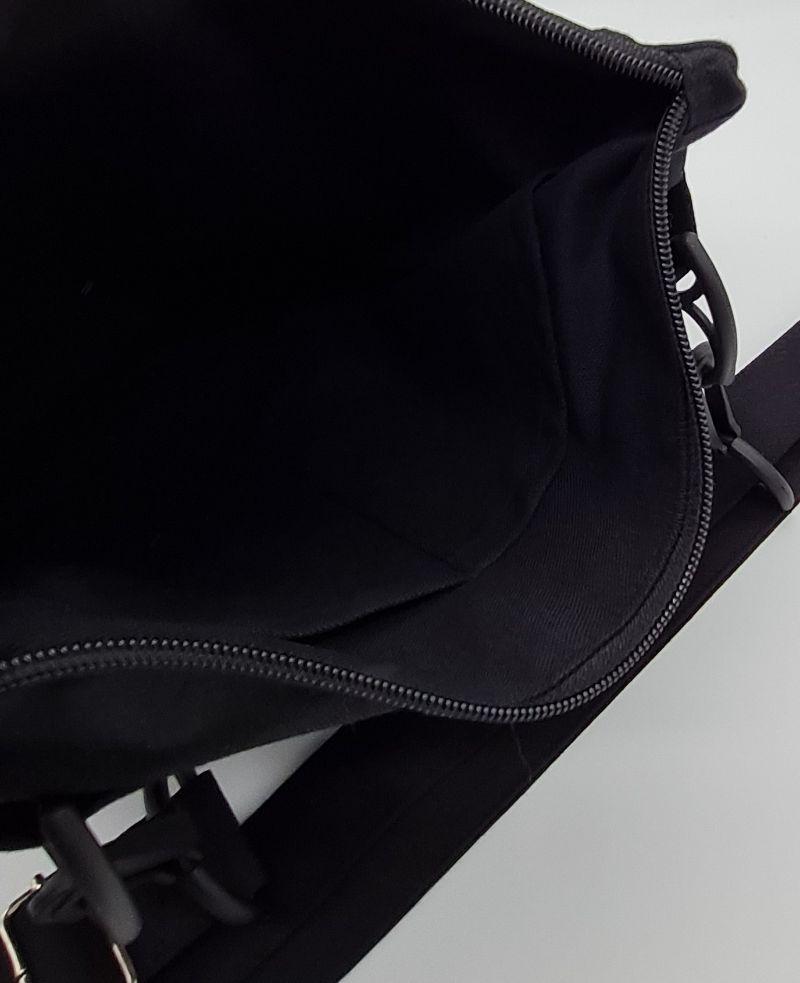 Kleinesbild - Bauchtasche in schwarz, tragbar auch als Crossbag, Umhängetasche, handmade by la piccola Antonella