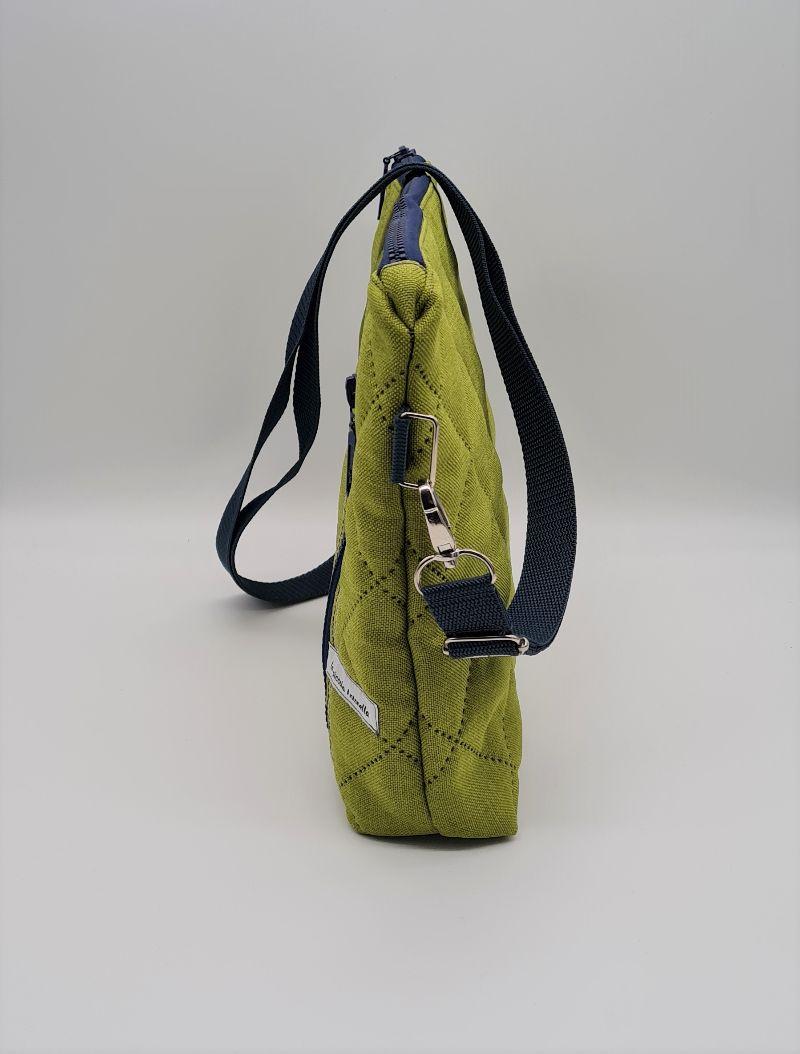 Kleinesbild - Umhängetasche kleiner Shopper aus Steppstoff in grün, handmade by la piccola Antonella