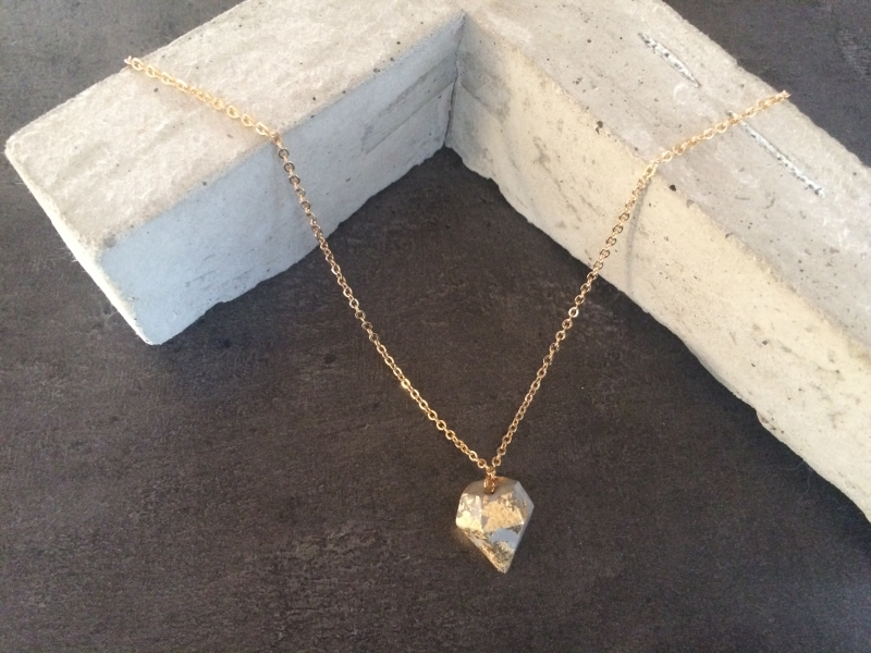 - Betonschmuck Halskette gold Anhänger Diamant Kegel Geschenk - Betonschmuck Halskette gold Anhänger Diamant Kegel Geschenk