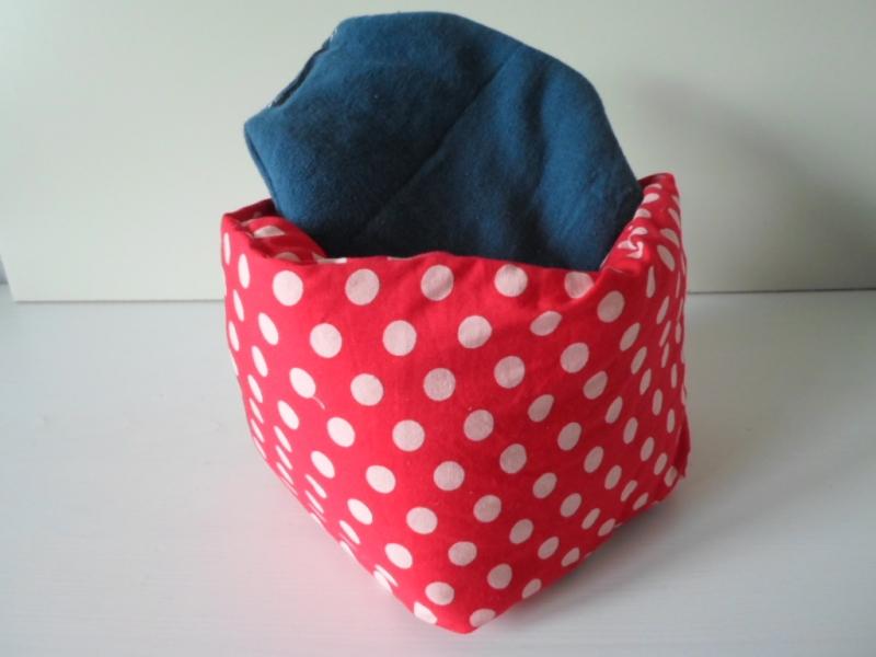 Kleinesbild - Eierkörbchen/ Eierwärmer *Fuoco* Baumwolle rot mit Deckel nach Wahl von friess-design