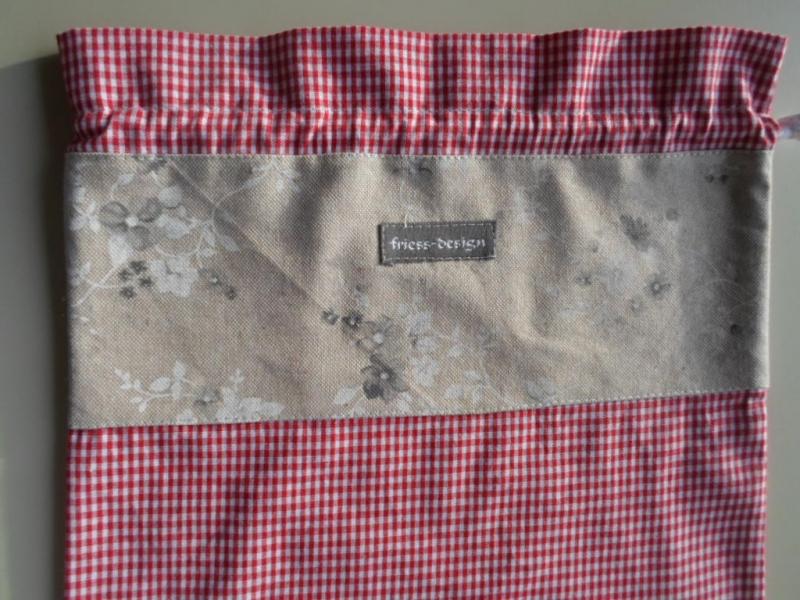 Kleinesbild - Brotbeutel *speciale* Baumwolle rot-kariert/ beige geblümt von friess-design mit Baumwollkordel