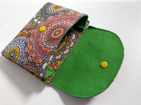 Kleinesbild - Kleine_Börse_mit 2 Fächern_12 x 10cm_bunt_und_innen_grün