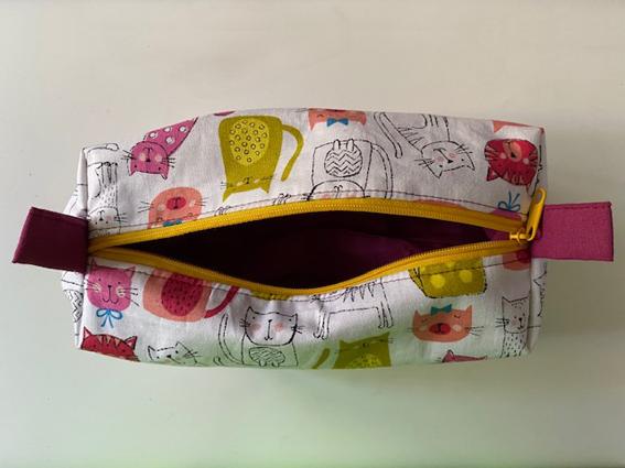 Kleinesbild - großes Faulenzer-Stifte-Täschchen, Utensilo, Taschenorganizer, Katzenmotive, ca. 20 x 8 x 8cm