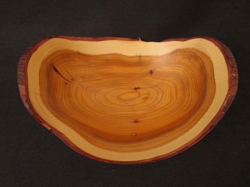 Kleinesbild - Gedrechselte Holzschale aus Eibenholz mit schöner Maserung