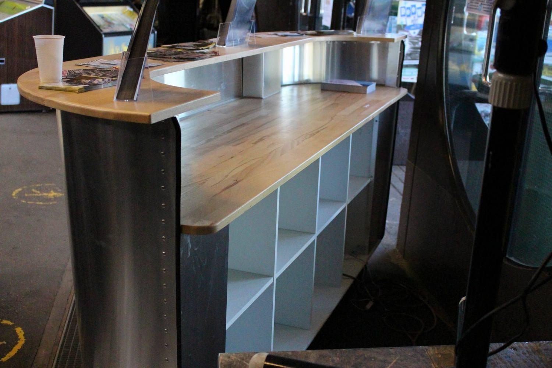 wohnen diner theke tresen bar counter. Black Bedroom Furniture Sets. Home Design Ideas