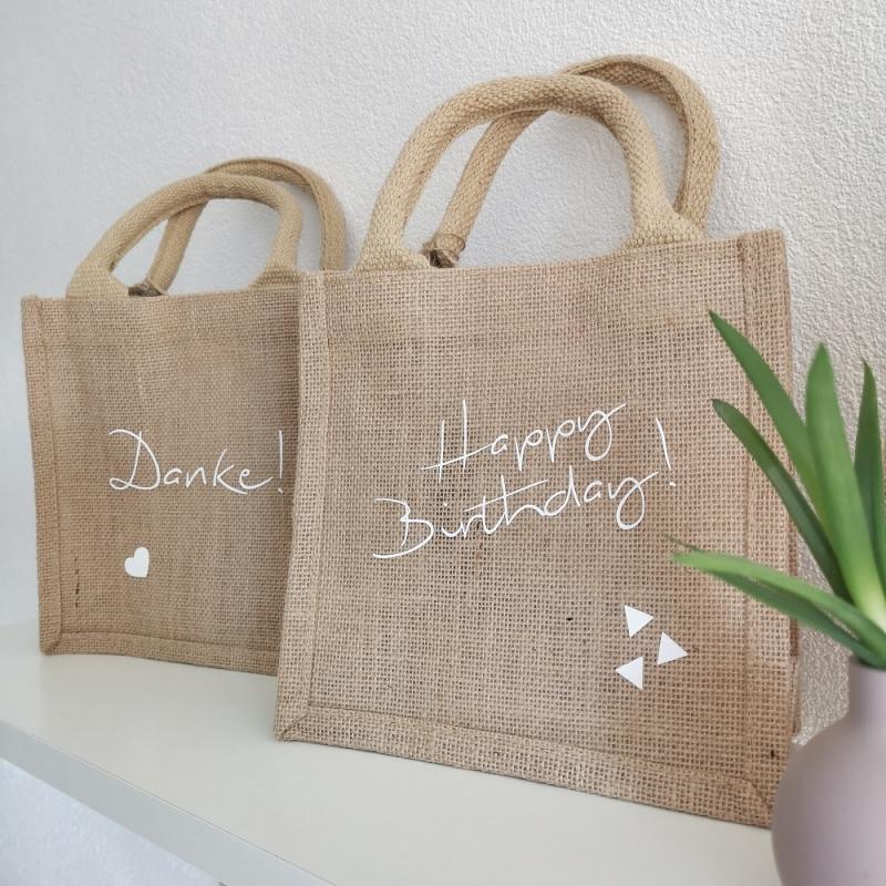 Kleinesbild - Jutetasche, Jutebeutel Geschenktasche Happy Birthday nachhaltige Geschenkverpackung