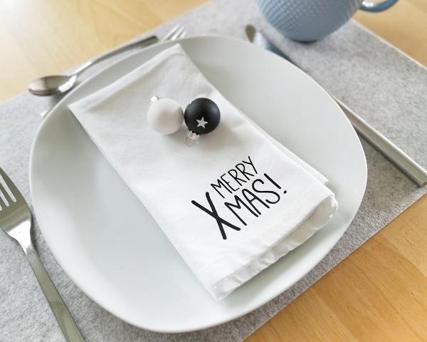 Kleinesbild - Set aus 6 Bügelbildern Merry Xmas, Aufbügler für Stoffservietten, Küchentextilien, Geschirrtuch, Servietten Weihnachten, schwarz oder weiß