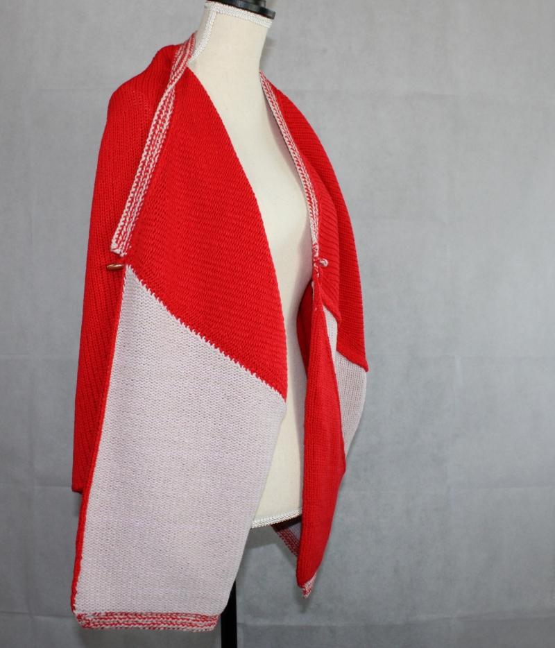 Kleinesbild - Strickjacke, Cardigan, kurzärmelig, zweifarbig aus Kaschmir Alpaka Wolle.Einzigartiger Design