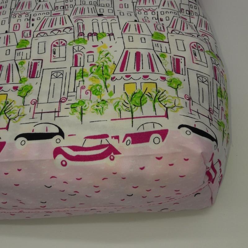 Kleinesbild - pinker Stoffkinderbeutel mit Motiv Skyline und Autos